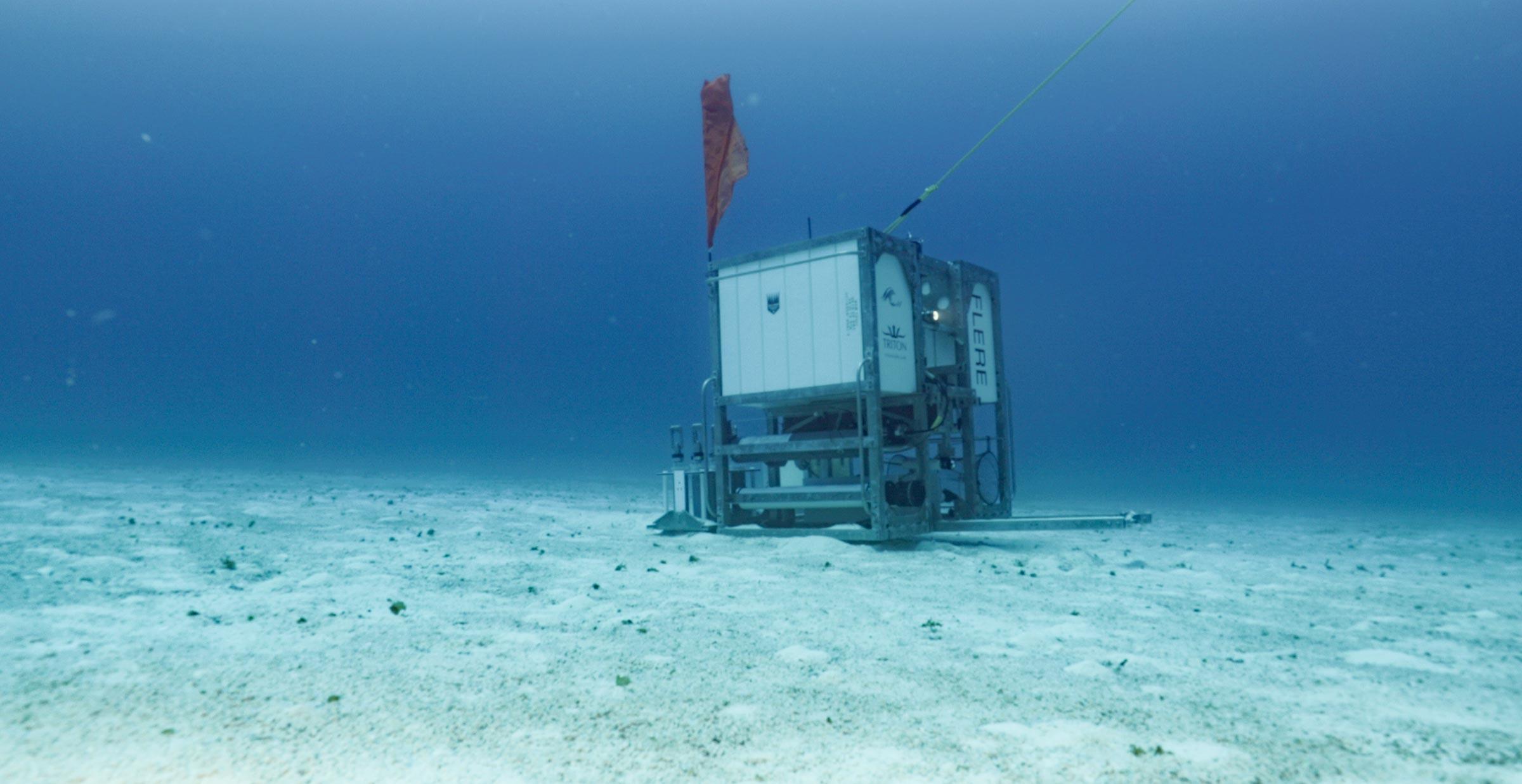 Full Ocean Depth-rated Scientific Lander